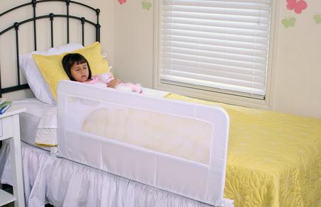 Regalo可調式床邊圍欄 – 亞馬遜Baby熱銷商品推薦