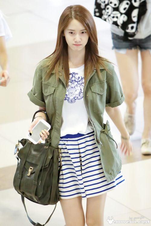 少女時代也穿的秋季時尚必備單品——軍裝外套(2013/09/14)